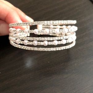 Jewelry - Bridal crystal and pearl bracelet